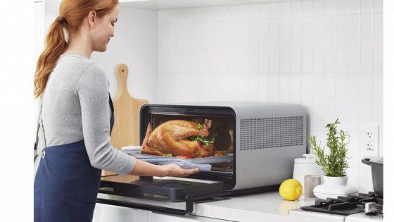 June lanza un horno inteligente con reconocimiento de comida