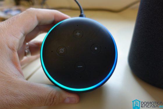 ¿Qué significan las luces de mi altavoz Alexa?