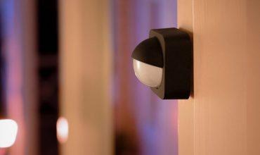 Philips Hue añade sensores de movimiento y luz de bienvenida de exteriores al catálogo
