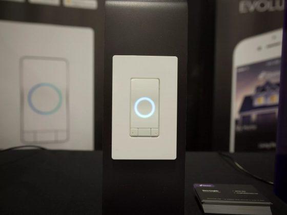 La marca iDevices integra Alexa en sus interruptores de pared
