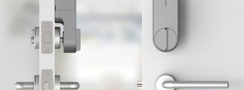 Vista frontal y lateral del smart lock