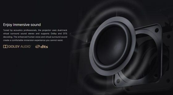 altavoces internos del proyector
